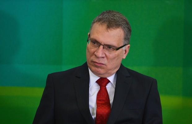 Ministro da Justiça quer investigar uso de jatinhos por deputados pró-impeachment