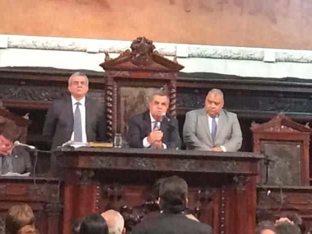 Jorge Picciani discursa após ser eleito presidente da Assembleia Legislativa do Rio de Janeiro. (Foto: Káthia Mello/ G1)