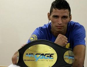 Michel Sassarito, lutador de MMA (Foto: Frank Cunha/Globoesporte.com)