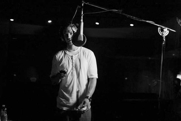 Justin Timberlake gravando o álbum 'The 20/20 experience' (Foto: Divulgação/Justintimberlake.com)