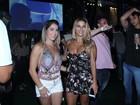 Daniele Hypolito e Jade Barbosa, decotadas, curtem show de Ludmilla