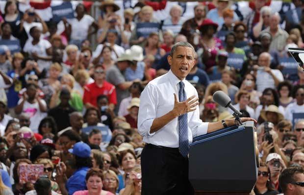 O presidente dos EUA, Barack Obama, discursa durante evento de campanha no parque central de Mansfield, no estado de Ohio, nesta quarta-feira (1º) (Foto: Larry Downing/Reuters)
