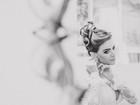 Rayanne Morais usa vestido de noiva decotado para se casar com Latino