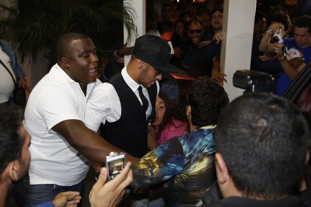 Neymar e Marquezine (Foto: Felipe Assumpção e Leo Marinho/AG.News)