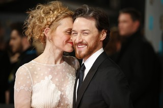 James McAvoy e a mulher, Anne-Marie, no BAFTA (Foto: AFP)