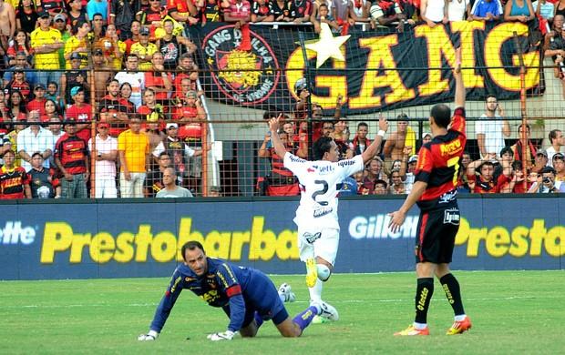Sport x Santa Cruz - Branquinho (Foto: Aldo Carneiro)