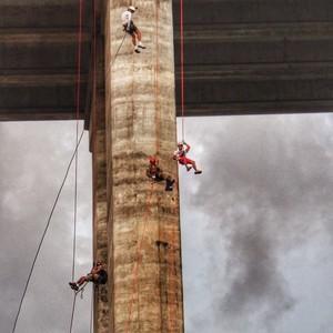 Rapel na ponte Newton Navarro, no Rio Grande do Norte (Foto: Divulgação Rota Inter TV)