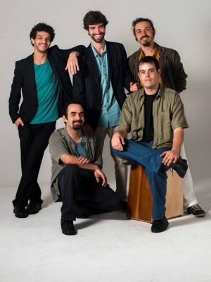 Grupo Araticum pesquisa músicas latino-americanas (Foto: Araticum/Acervo do grupo)