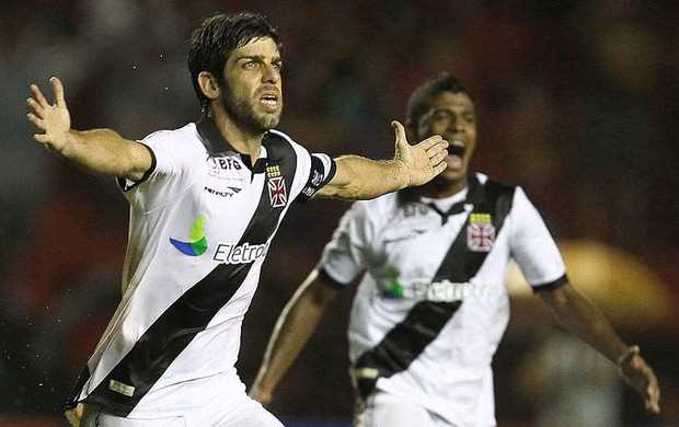 Juninho Pernambucano gol Vasco x Sport (Foto: Marcelo Sadio / Site Oficial do vasco)