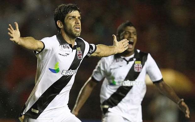 Juninho Pernambucano gol Vasco x Sport (Foto: Marcelo Sadio / Site Oficial do vasco)