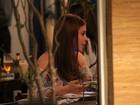 Marina Ruy Barbosa janta com a mãe em shopping do Rio