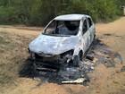 Carro é encontrado com dois corpos (Ed Santos / Acorda Cidade)
