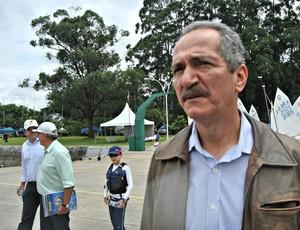 Aldo Rebelo ministro vela (Foto: João Gabriel Rodrigues / GLOBOESPORTE.COM)