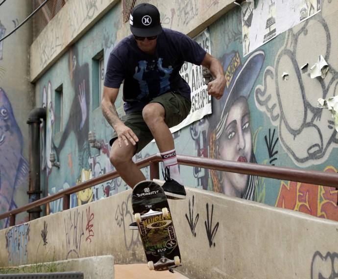 O cara manda muito no skate!!! (Foto: Raphael Dias/Gshow)