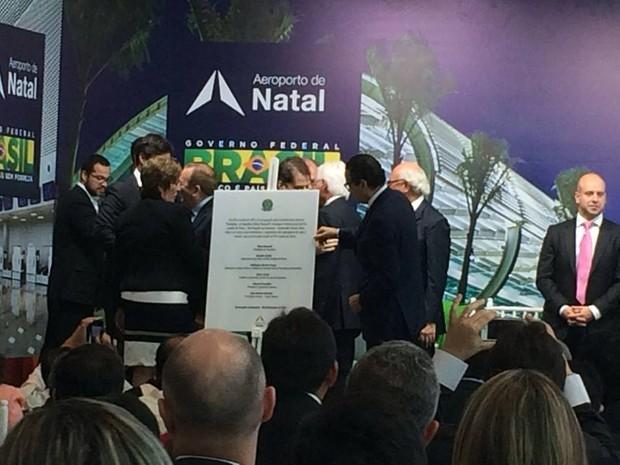 Cerimônia contou com a participação de autoridades locais e nacionais (Foto: Fernanda Zauli/G1)