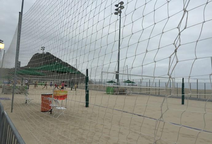 Quadras de treinamento em Copacabana (Foto: Gabriel Fricke)