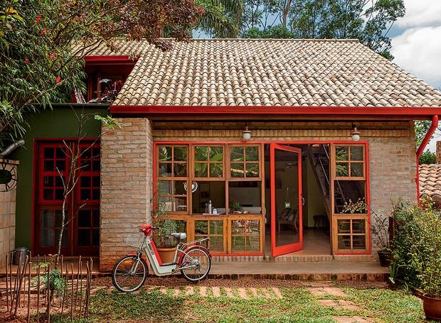 Casa-arquiteta-kita-flórido-tijolos-de-demolição-fachada (Foto: Edu Castello/Editora Globo)