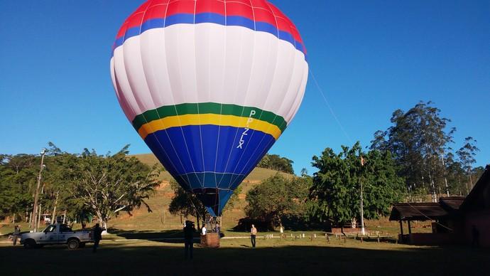 Passeio de balão pode ser feito com saída em Canelinha  (Foto: Lívia Andrade/RBS TV)