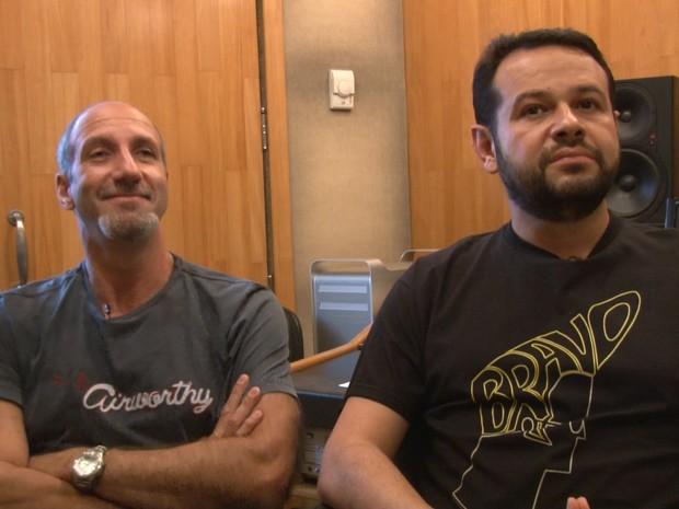 Os dubladores Márcio Simões e Ricardo Juarez (Foto: G1)