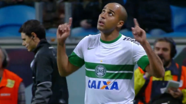 Deivid; gol vitória do Coxa 1 x 0 na Arena do Grêmio; brasileiro 2013 (Foto: Reprodução SporTV)