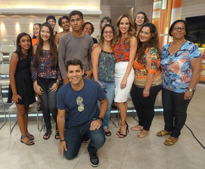 Lair Rennó e Ana Furtado tiram foto com a plateia do 'Encontro'  (Foto: Juliana Hippert/Gshow)
