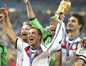 199ddabbaf008 Programa de domingo mostra como o futebol alemão virou uma ...