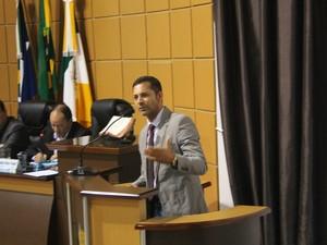 Messias Di Caprio (PSD) compareceu à sessão pela primeira vez nesta segunda (Foto: Driely Pinotti/ Clique F5)