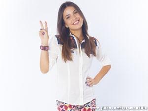 Thaís Melchior é Bia, filha de dona Redonda (Foto: Saramandaia/ TV Globo)