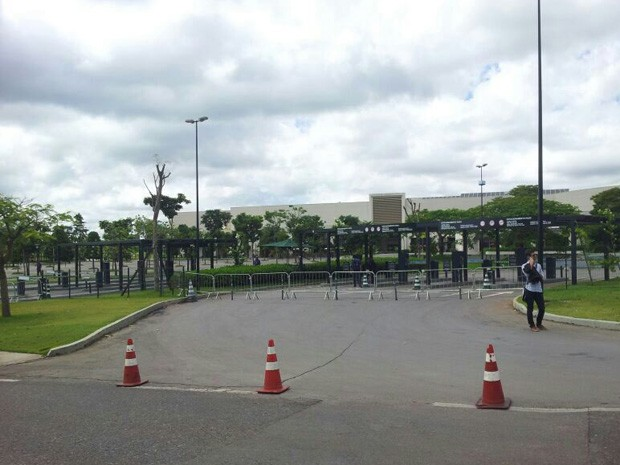 """Shopping Iguatemi Brasília fechou as portas neste sábado para evitar """"rolezinho"""" que tem mais de 3 mil pessoas confirmadas (Foto: Vianey Bentes)"""