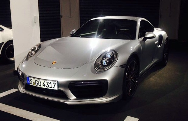 Porsche 911 Turbo em evento de lançamento (Foto: Julio Cabral/Autoesporte)