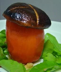 Tomate recheado com cogumelos (Foto: Diivulgação/ Cogubras)