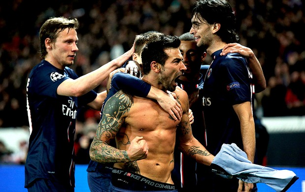 Lavezzi comemora gol no jogo do PSG e Valencia (Foto: Getty Images)