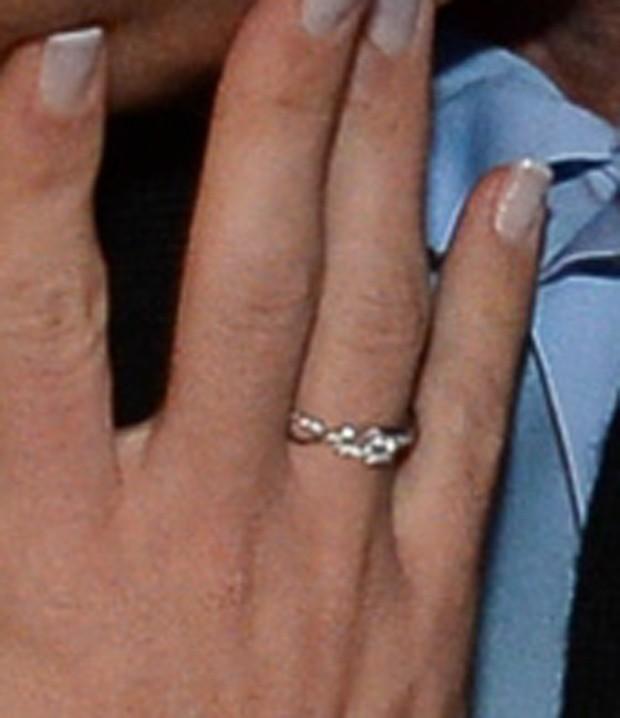 Detalhe do anel de noivado de Graciele Lacerda (Foto: Francisco Cepeda/AgNews)