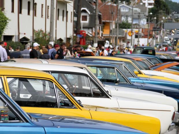 Campos do Jordão recebe Encontro Paulista de carros antigos (Foto: Carlos Santos/ G1)