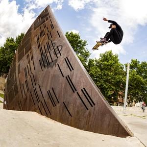 Fenômeno do skate mundial, Luan Oliveira superou passado difícil rumo ao topo (Foto: Divulgação/Nike)