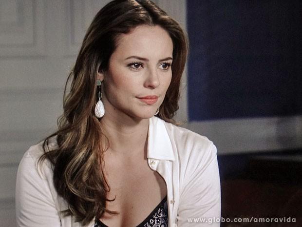 Paloma aceita proposta do pai (Foto: Amor à Vida/TV Globo)