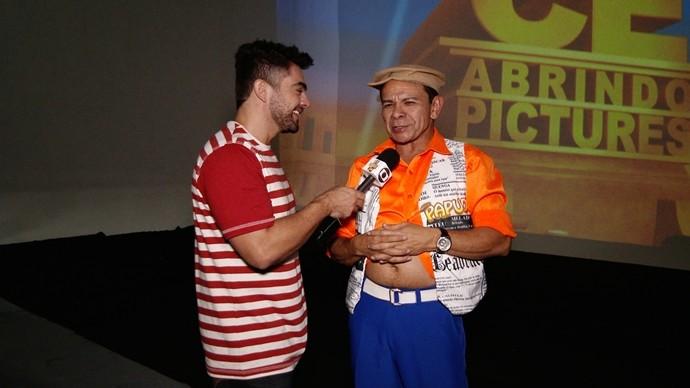 Daniel Viana confere o aniversário de Bené Barbosa com novidades no teatro. (Foto: Produção / Se Liga VM)