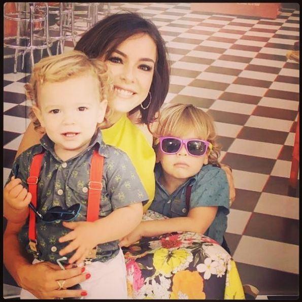 Regiane Alves com os filhos (Foto: Reprodução/Instagram)