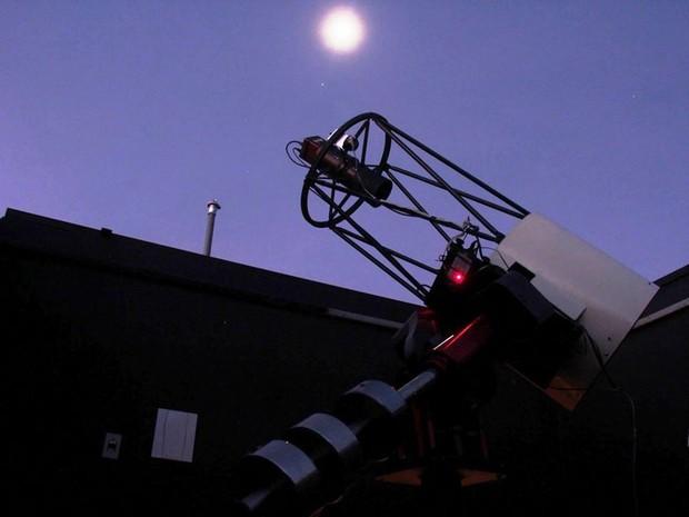 Telescópio do Sonear (Foto: Sonear/Divulgação)