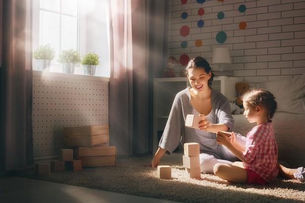 85% do cérebro da criança se desenvolve até os 5 anos de idade. Além de uma nutrição adequada, estímulos e brincadeiras são essenciais nessa fase (Foto: Thinkstock)