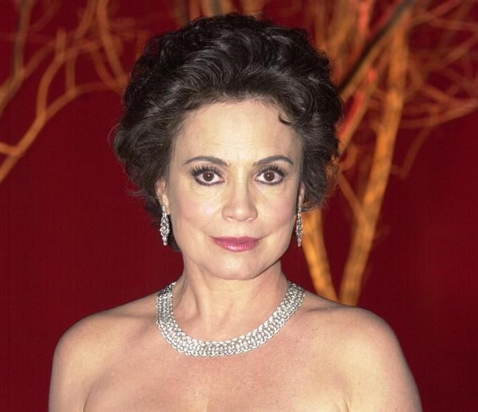 Regina Duarte na pele de Andrea, em 'Desejos de Mulher' (Foto: TV Globo)