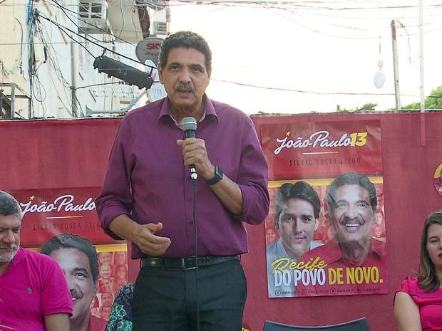 João Paulo (PT) recebeu o apoio da Associação Pernambucana de Cegos (Foto: Reprodução/TV Globo)