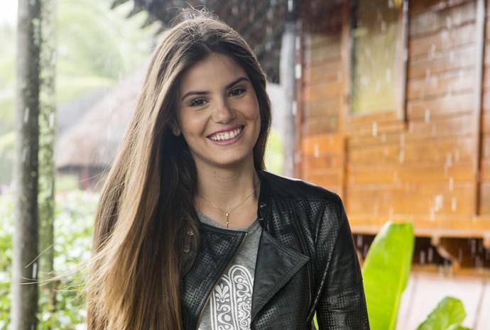 Camila Queiroz torce pela felicidade de Angel (Foto: Felipe Monteiro/ Gshow)