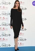 Look do dia: Angelina Jolie usa vestido pretinho básico em pré-estreia