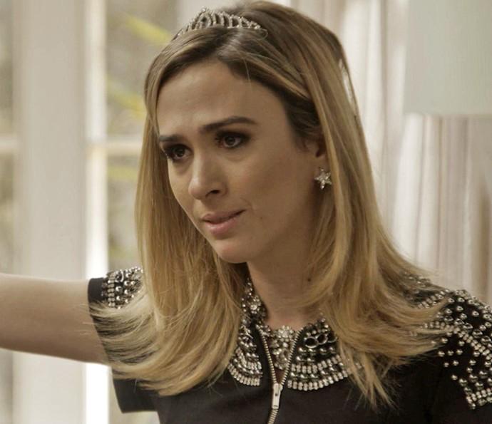 Patricinha exige um novo caixão para Teodora (Foto: TV Globo)