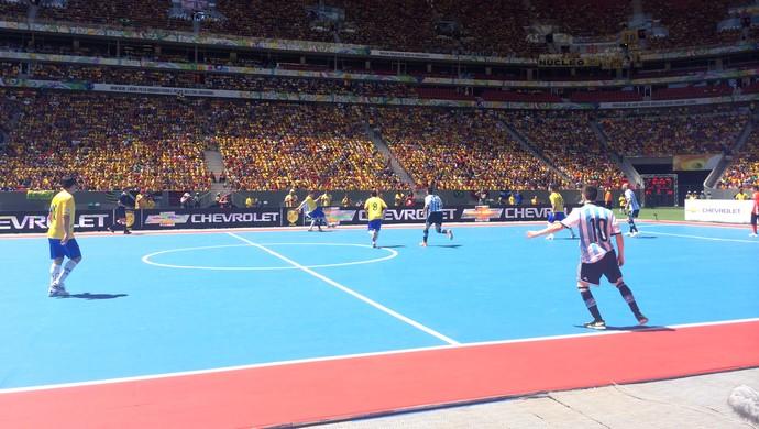 Futsal Brasil e Argentina, Mané Garrincha (Foto: Fabricio Marques)