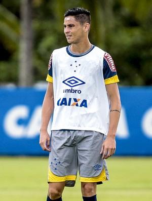 Élber e Diogo Barbosa durante treino do Cruzeiro (Foto: Cristiane Mattos/Light Press)