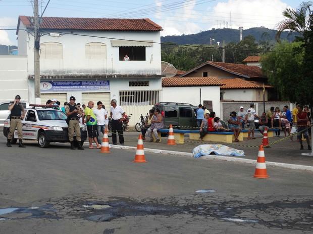 Homem é morto a tiros em Cláudio (Foto: Darley Lopes/Divulgação)