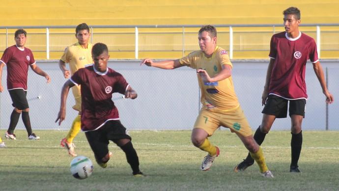Juventus e Náuas se enfrentam no estádio Florestão (Foto: João Paulo Maia)