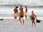 Veja como foi o dia na praia de Marcello Novaes e Letícia Spiller com os filhos